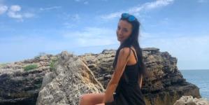 Sexy-bloggerița bisericească fura din magazine