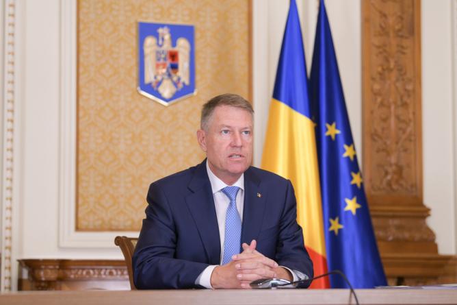 Iohannis, către românii din Diaspora: Nu veniți acasă!