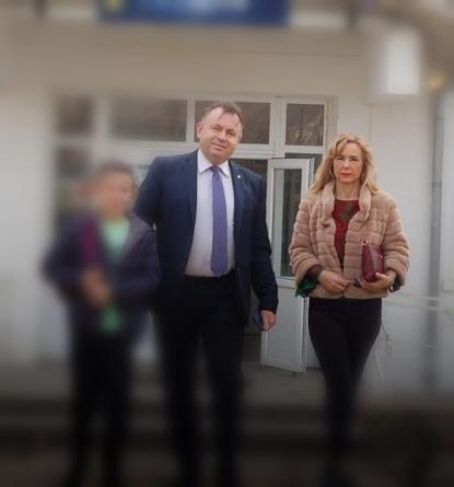 Soția ministrului Sănătății, speculă cu măști