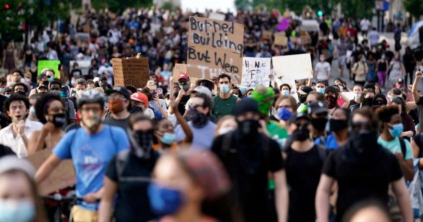America a luat foc! Lupte de stradă fără precedent