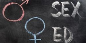 PNL și PSD au eliminat educația sexuală din școli