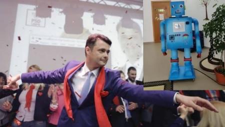 """Robotul inutil al primarului """"Zero"""" de la sector5"""