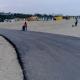 Asfalt proaspăt în mijlocul plajei, la Constanța