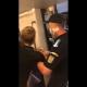 Bărbat încătușat la metrou pentru că nu purta corect masca