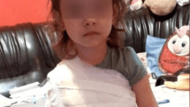 Corabia: un medic a bandajat o fetiță cu tot cu tricou